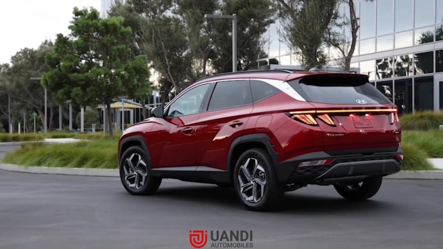New Hyundai Tucson in revealed. Looks wise its completely all-new car, having a great design. The first time The Tucson is coming with parametric grill and Parametric Led. Which means if your car is lock then the front grill appears the same, The moment you unlock the car, You notice that the day time running Led are actually separated from the grill. The black chrome finish on the grills appears very stylish. In this article, we are taking you through all the details about the new Tucson model.