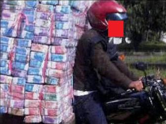 Meme lucu gambar uang banyak banget  Uang Indonesia