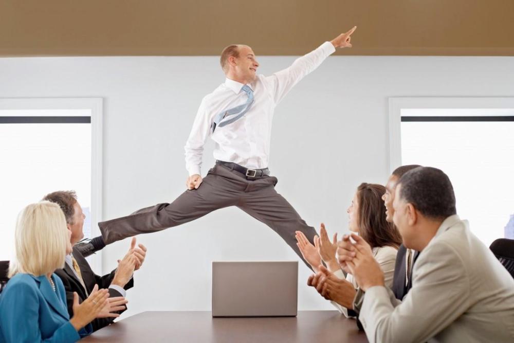 karyawan-antusias-bekerja