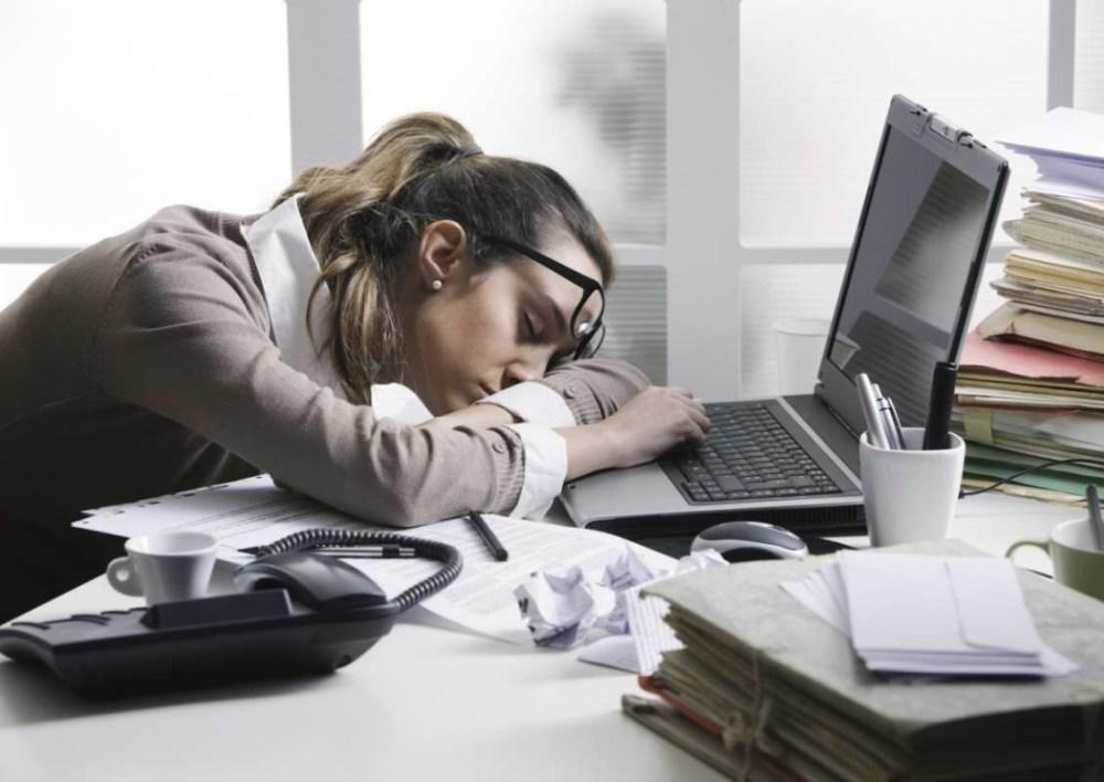 Kebiasaan yang Membuat Pekerjaan Lebih Sulit
