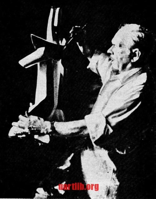 Останнє фото Олександра Архипенка у його нью-йоркській студії. 1963 рік.