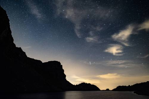 Ciel Étoilé Au Dessus Du Lac Du Crozet