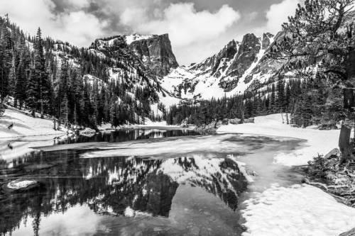 Paysage En Noir Et Blanc D'Emerald Lake Dans Le Parc National Des Rocky Mountains, Colorado
