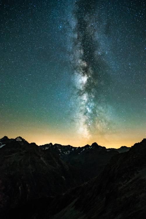 Voie Lactée Au Dessus Des Écrins Par Une Nuit D'automne