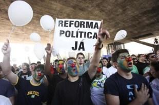 Ibope mostra que 85% são a favor da reforma política