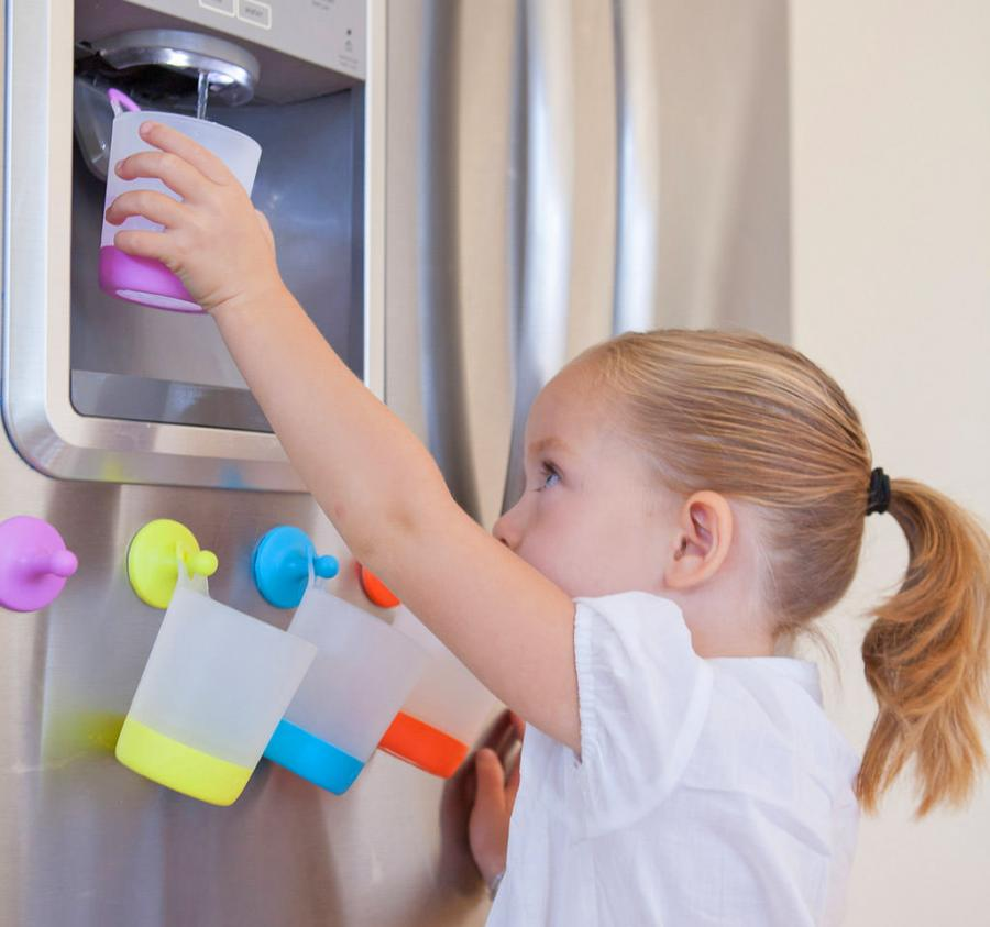 These Hanging Kids Cups Make Life Easier For Everyone