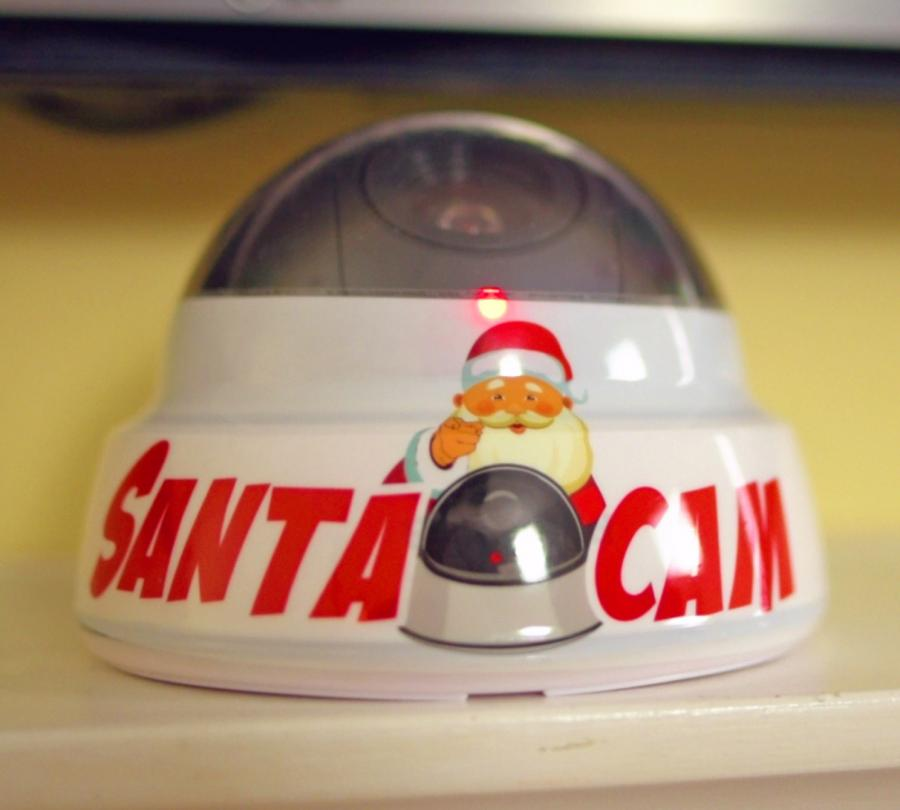 Santa Cam: A Fake Camera Prop To Keep Kids On Their Best Behavior