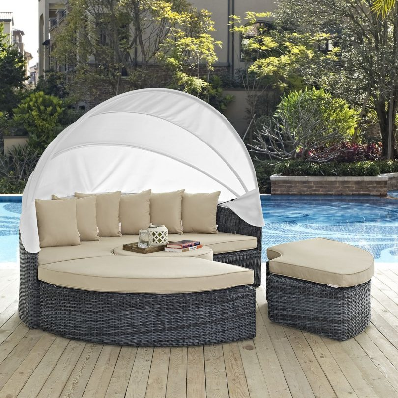Round Patio Daybed with Retractable Canopy
