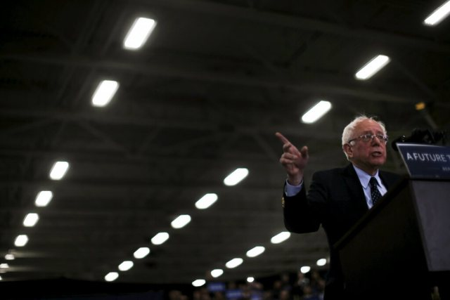 Democratic U.S. presidential candidate Bernie Sanders speaks at a campaign rally in Warren, Michigan, March 5, 2016. REUTERS/Jim Young