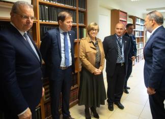 "Cyprus ""key"" partner in efforts to combat terrorism, Europol Executive Director says"