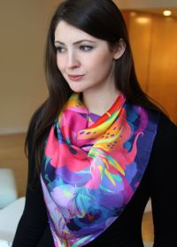 How To Wrap A Silk Scarf Around Your Neck | How To