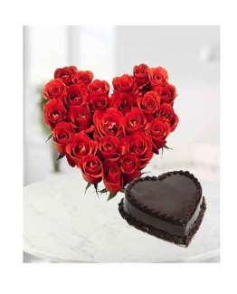 Heart Arrangement of Red roses and Chocolate Cake
