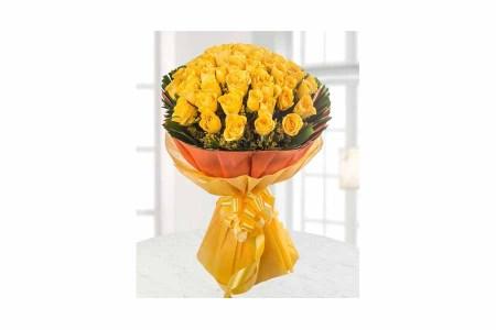 50 Yellow Roses Hand Bunch