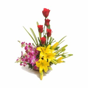 12+ Mix Flowers Basket arrangement