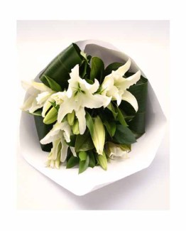 White lilies Special Hand Bunch