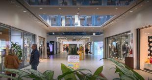 Grosseto. Centro Commerciale Aurelia negozio Quadrifoglio Benetton