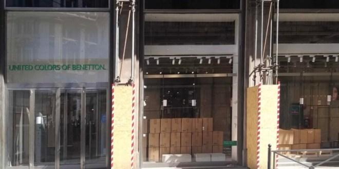 Milano chiude il negozio Benetton in Piazza Duomo