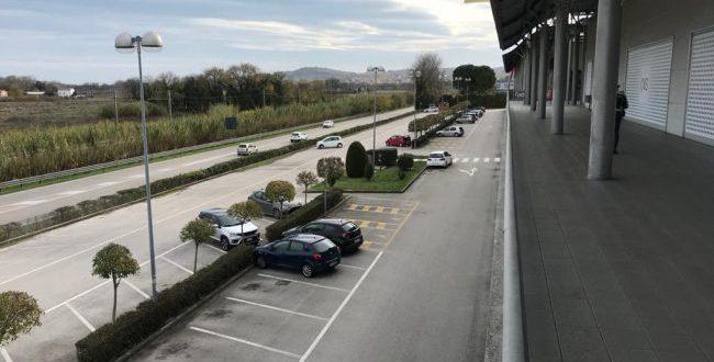 Cargopier Osimo deserto, Benetton chiude il negozio