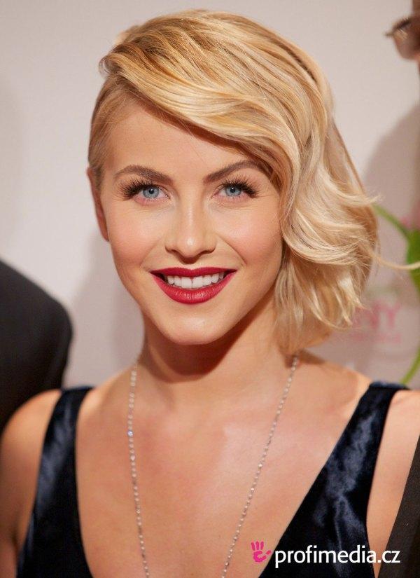 Julianne Hough Short Hairstyle