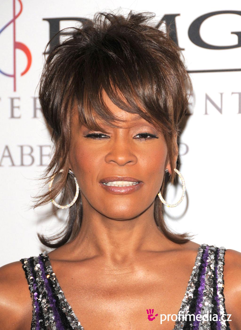 Whitney Houston Frisur Zum Ausprobieren In EFrisuren