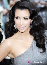 kim kardashian - hairstyle