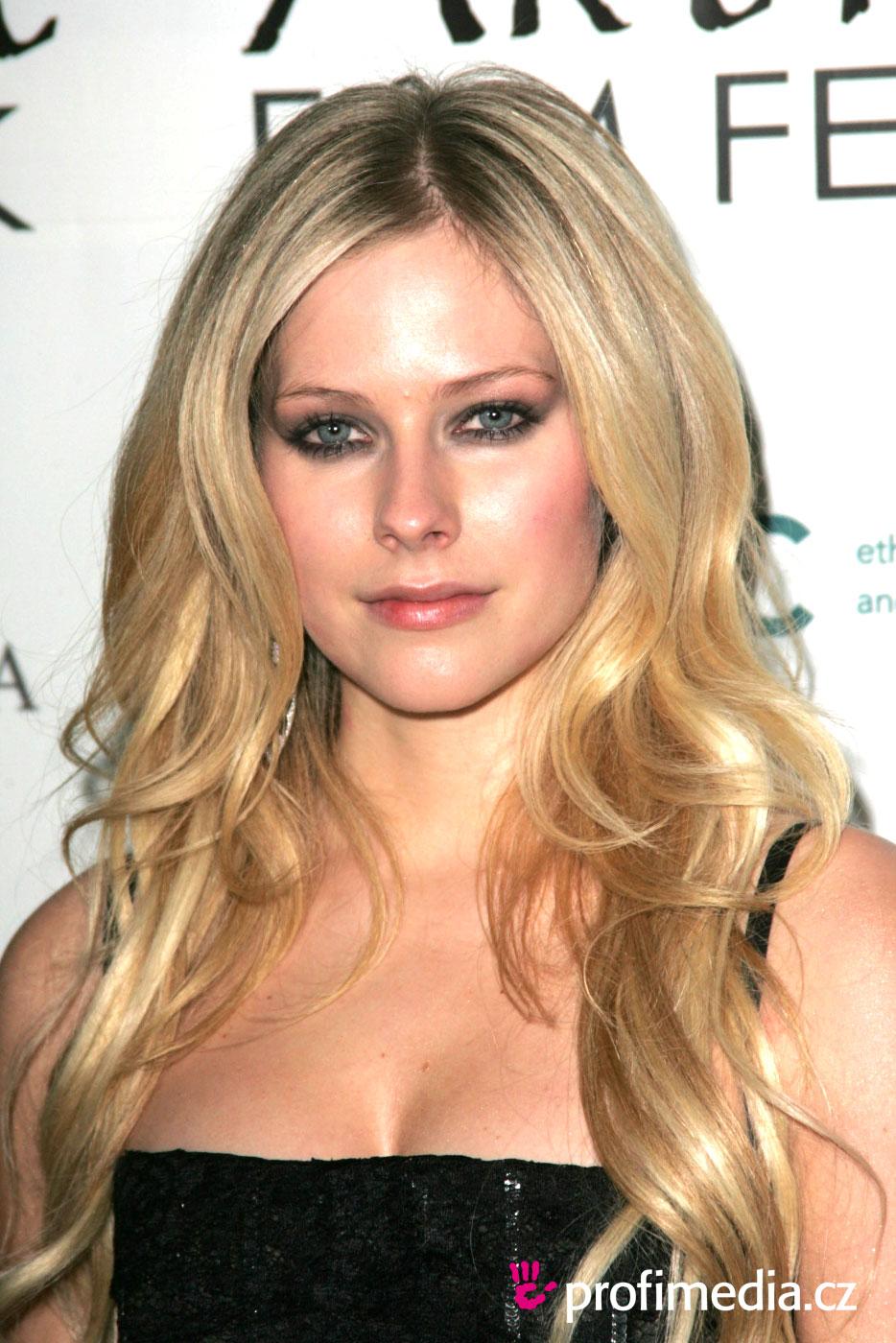 Avril Lavigne  frisur zum Ausprobieren in eFrisuren