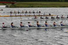 WIm2 8+ racing at MET