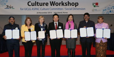 A formal launch of the UCLG ASPAC Culture Committee, with Governor Won, Mayors of Bilaspur and Raipur of India, the Vice Mayor of Vigan of the Philippines, the Chair of UCLG Culture Committee and a representative from Surakarta or Solo, Indonesia (Jeju, Nov. 2015).