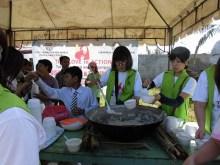 フィリピン台風被害支援に天一国青年宣教師が参加