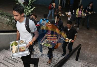 Ucevistas disfrutaron su tradicional almuerzo en la Semana del Estudiante