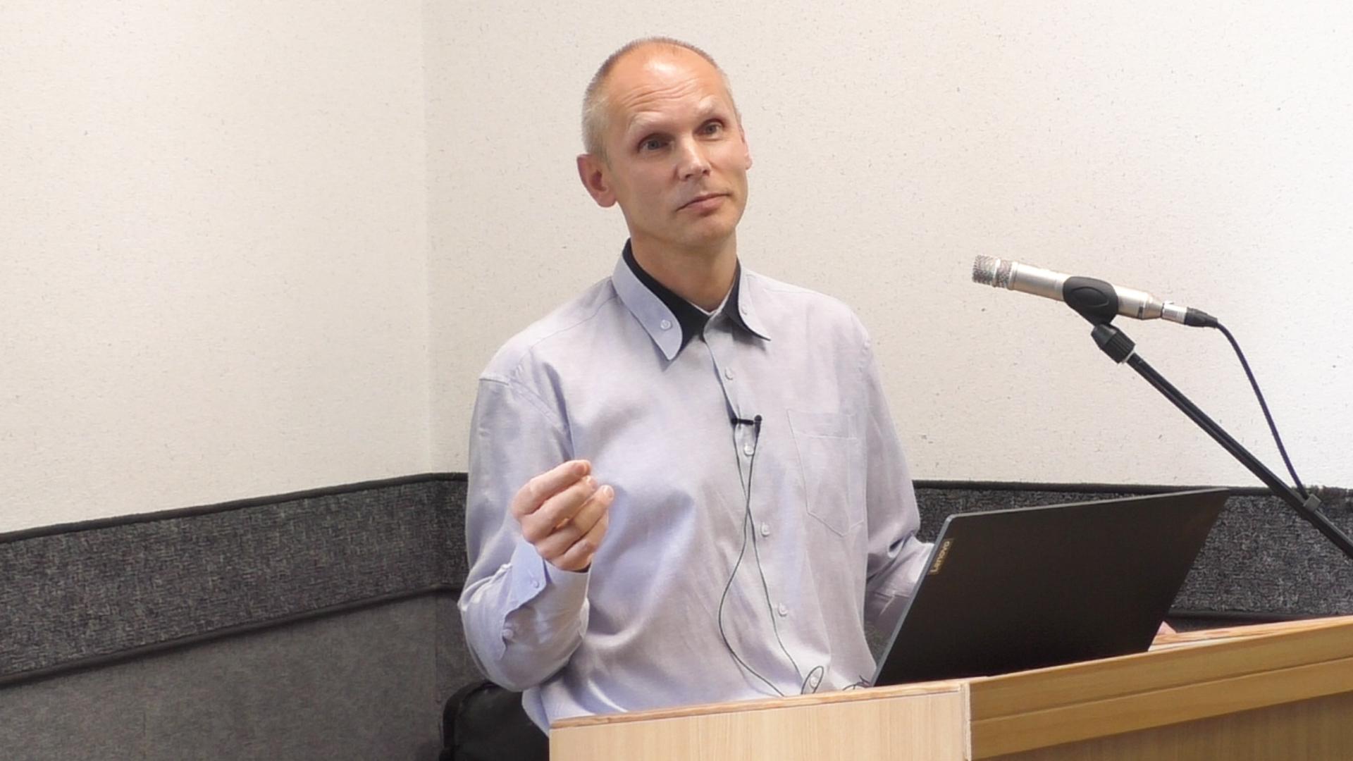 Mówienie językami i prorokowanie w zgromadzeniu