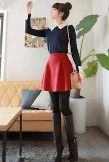 4赤フレアスカート×ネイビートップス×ロングブーツ