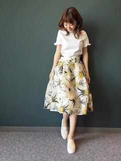 6スリッポン×花柄フレアスカート×パフ袖トップス