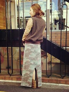 6キャメルのショートブーツ×ブルゾン×ロングタイトスカート