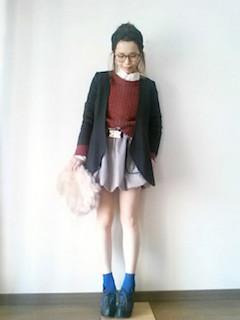 10ブーティ×靴下×黒ジャケット×ミニスカート