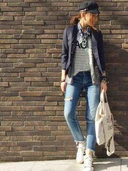 4ネイビーのサマージャケット×ボーダーTシャツ×ジーンズ
