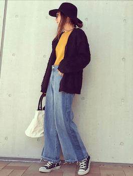 ループカーディガン×カラーTシャツ×ワイドデニムパンツ