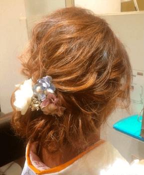 9卒業式で袴に合うユルフワくるりんぱのセミロングの髪型