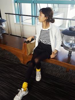 ボーダーTシャツ×ミニスカート×靴下