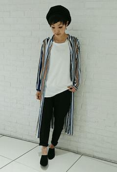 シャツディガン×白Tシャツ×ジョガーパンツ
