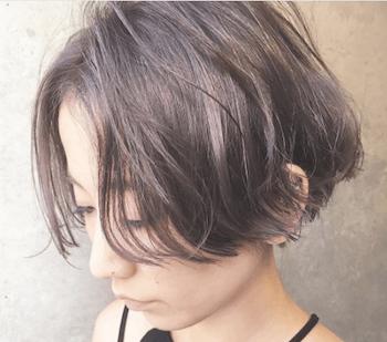 ショートのふんわりストレートの髪型