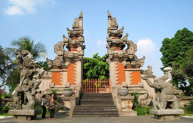 8 Rumah Adat Bali Keunikan Jenis Fungsi Dan Penjelasan