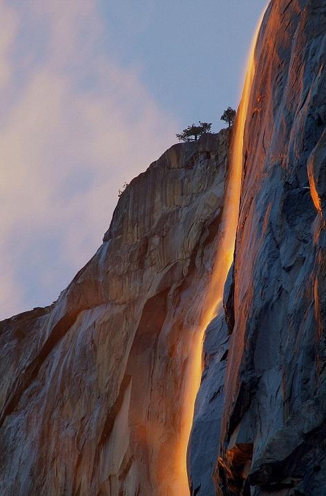 Огненный водопад