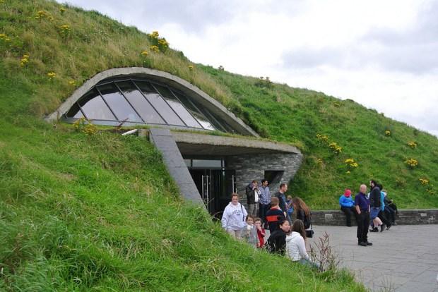Утесы Мохер в Ирландии. Экологический комплекс.Фото