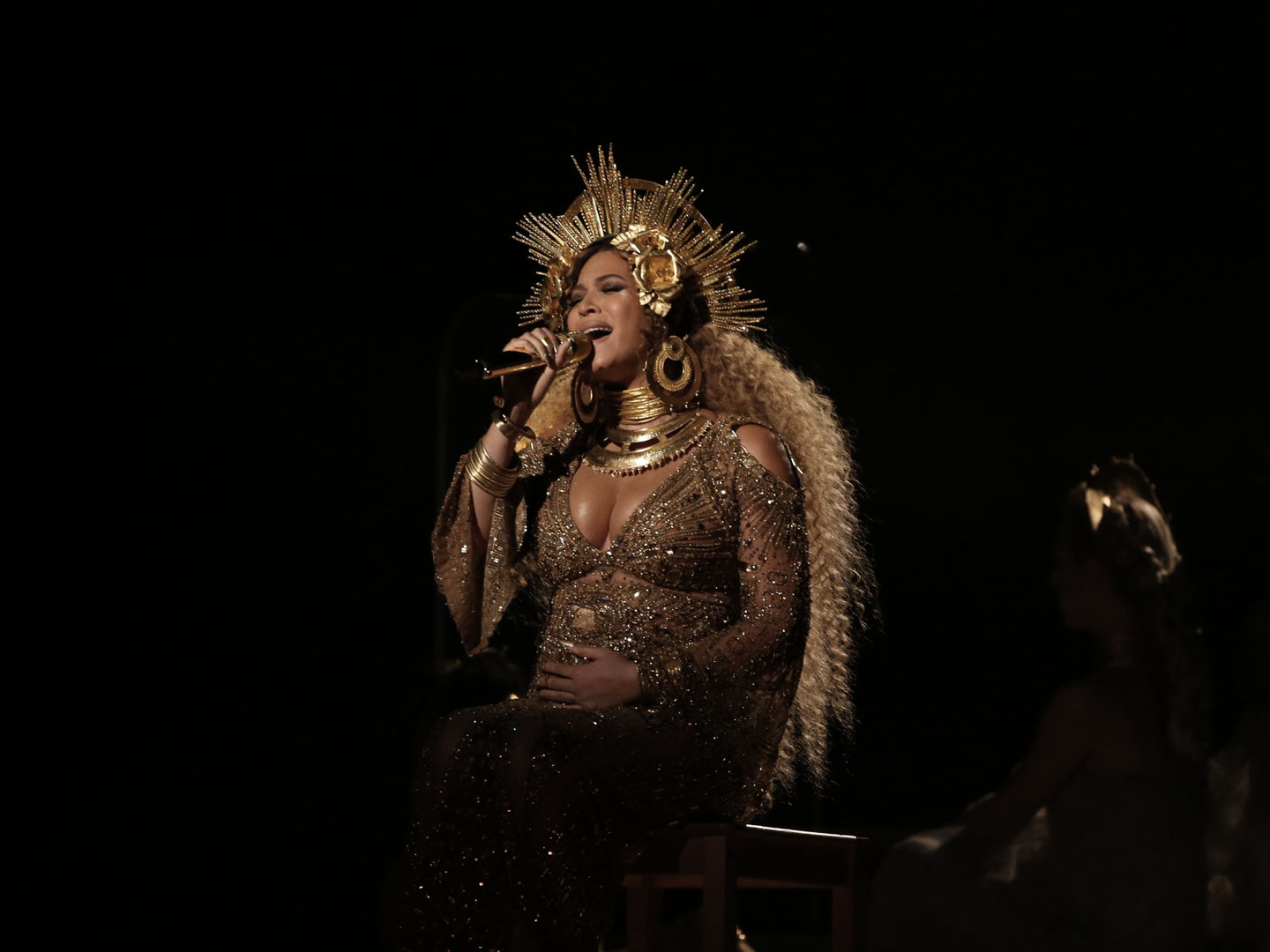 Beyoncé performing at the 2017 Grammy Awards