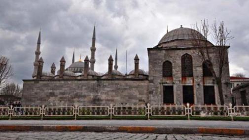 sultan-ahmetova-medresa-ponovo-zablistala-punim-sjajem_trt-bosanski-20858