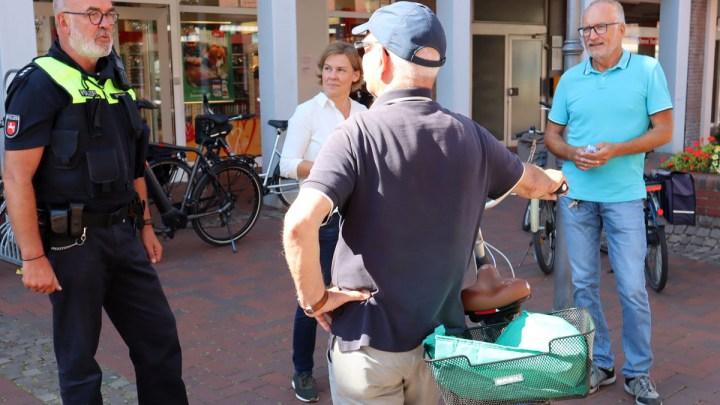 Rücksichtsvoll statt rüpelhaft: Polizei und Stadt Bad Bevensen sensibilisieren Radfahrer in Fußgängerzone