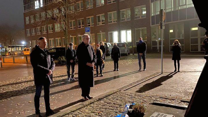 Gedenken zum 9. November: Propst und Bürgermeister legen Kranz nieder