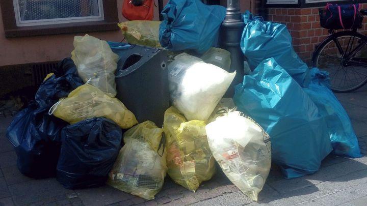 Gemeinsam für eine sichere und saubere Stadt: Abfälle bitte erst am Abfuhrtag an die Straße stellen