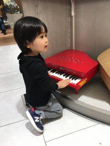 カワイのピアノ